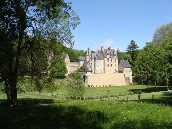 Le château vu de la route